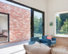 房产信息:克莱尔考辛斯对维多利亚式房屋进行翻修设有庭院饭厅
