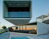 克拉韦拉奎特斯为西班牙的交叉房屋打造极致混凝土悬�