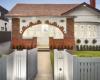 加州科堡的小屋比底价高出近10万美元